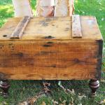 rustic trunk. rustic wedding. vintage wedding. rustic chest