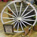 wedding. vintage wedding. rustic wedding. barn wedding. western wedding. western. wagon wheel. vintage wagon wheel. rustic wagon wheel.
