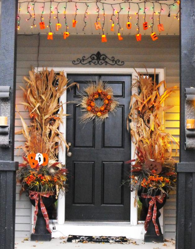 Unique Take A Look At These 14 DIY Fall Decor Ideas That Will Set Your Front Door Apart Who Says Your Front Door Decor Must Be Something Hanging By A String? Use Metallic Wrapping Paper In Jack O Lantern Colors To Put A Pumpkin On Your